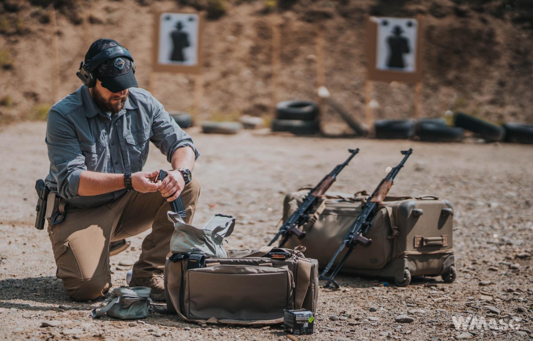 Posiadając pozwolenie sportowe lub kolekcjonerskie można posiadać praktycznie dowolną broń palną w kalibrze do 12mm
